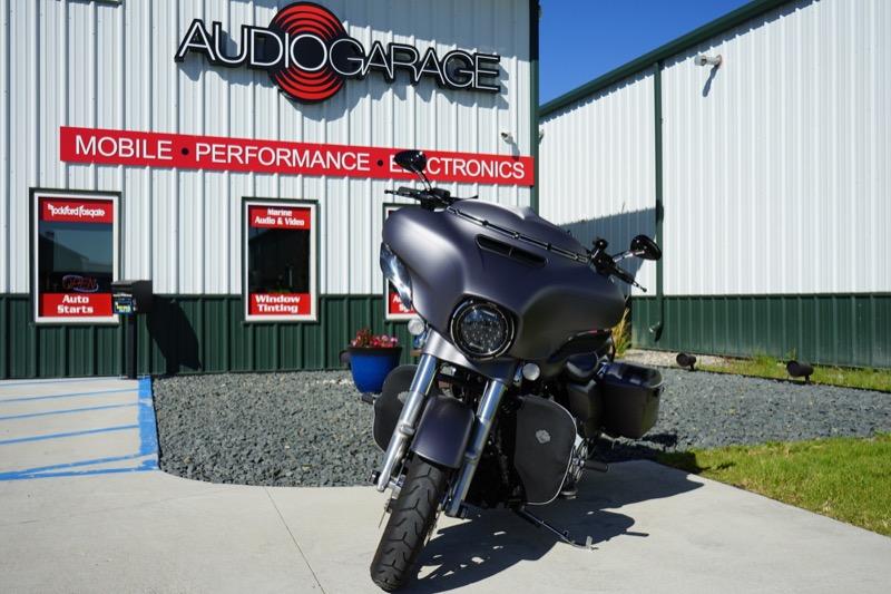 Fargo Client Gets Harley-Davidson Street Glide Bag Lid Speakers